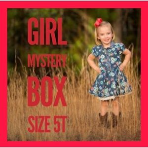 Other - GIRL MYSTERY BOX SIZE 5T
